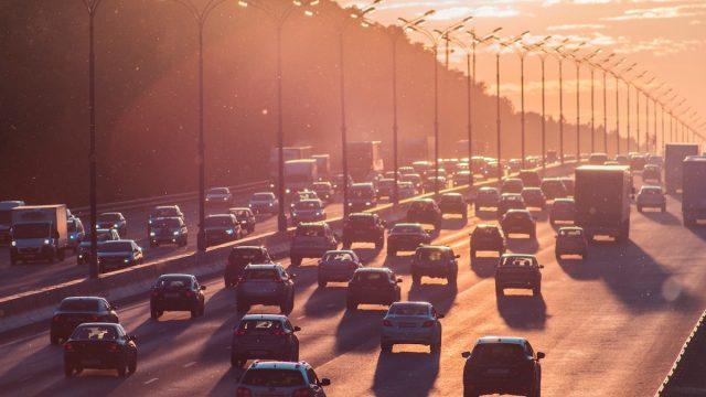 交通量の多い道路